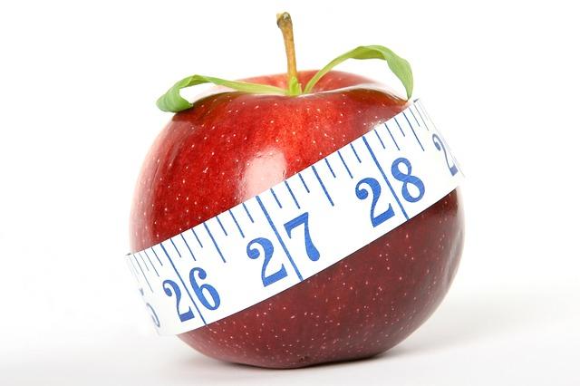 リンゴと巻き尺